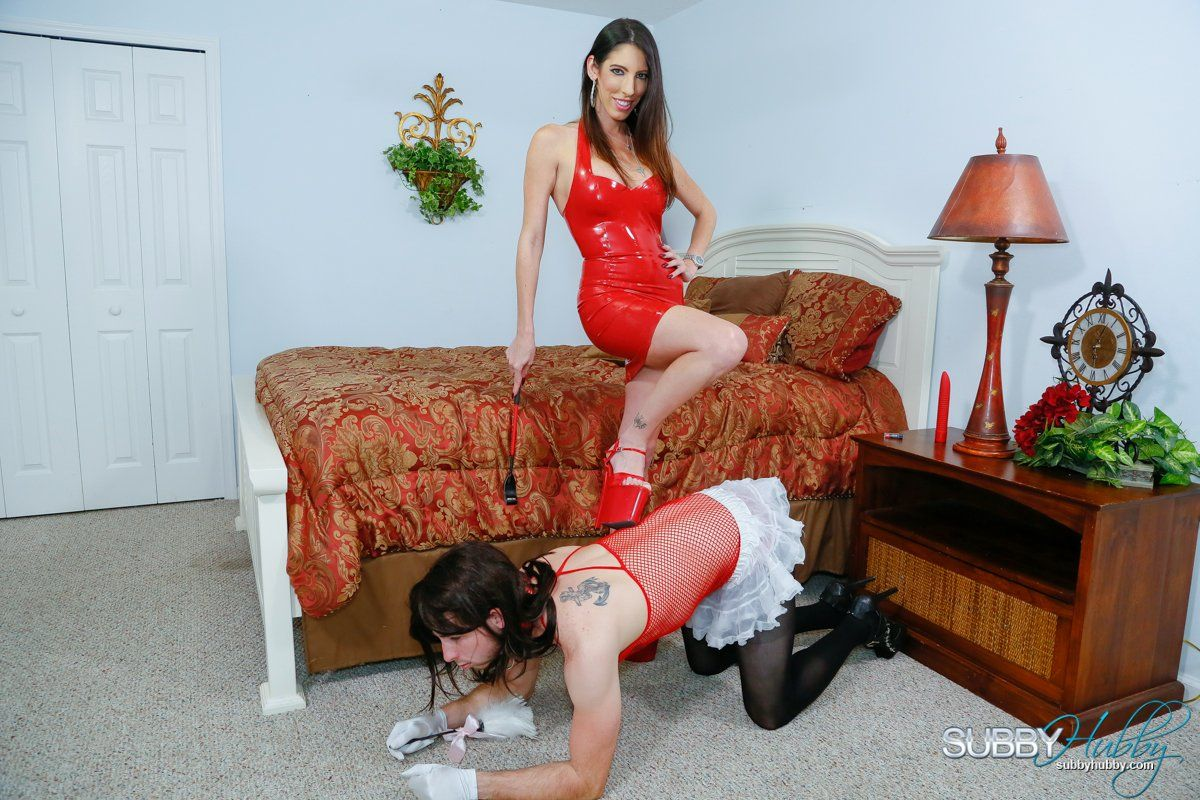 Tall mistress Dava Foxx orders crossdressing subby hubby with riding crop