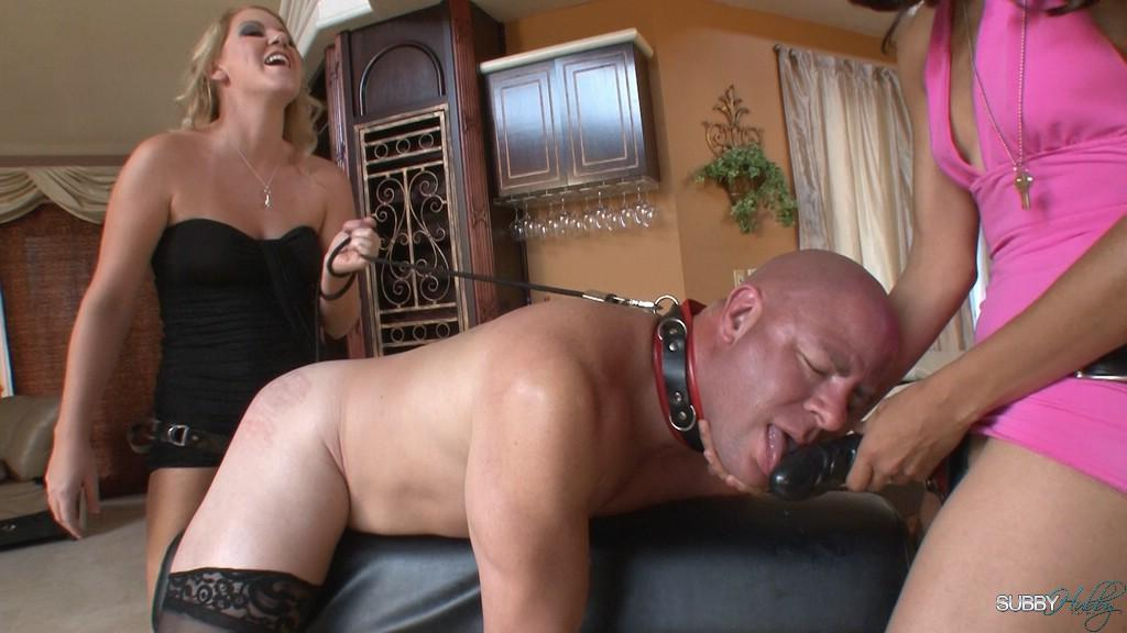Leggy platinum-blonde mistress Ashley Edmunds face screwing and pegging collared sex slave