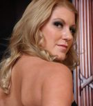 Leggy platinum-blonde mistress Ashley Edmunds face screwing and pegging collared sex slave