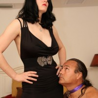 Shae Fatale binds her male sex slave with rope in kinky hog tie submissive scene