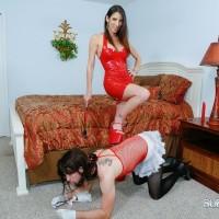 Gawky gf Dava Foxx has her crossdressing sissy worship her feet in a red sundress