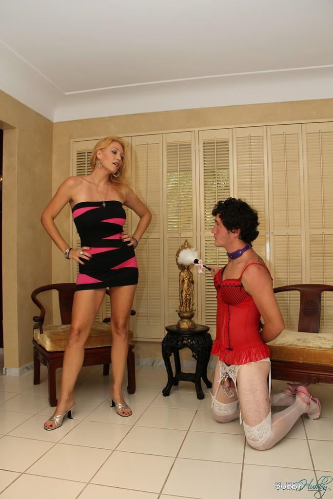 Long-limbed golden-haired girlfriend Charlee Haunt face fucking collared sub with strapon penis