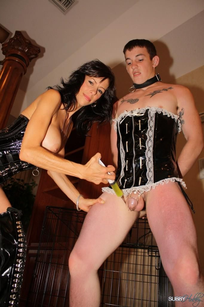 Busty wife Alexis Faux makes her sissy slave do what she wants when she wants
