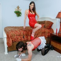 Leggy wife Dava Foxx has her sissy remove her heels and worship her bare feet
